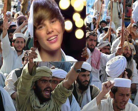 Pakistani's Furious Beiber not Appearing in Islamabad, I would hate to be that kid